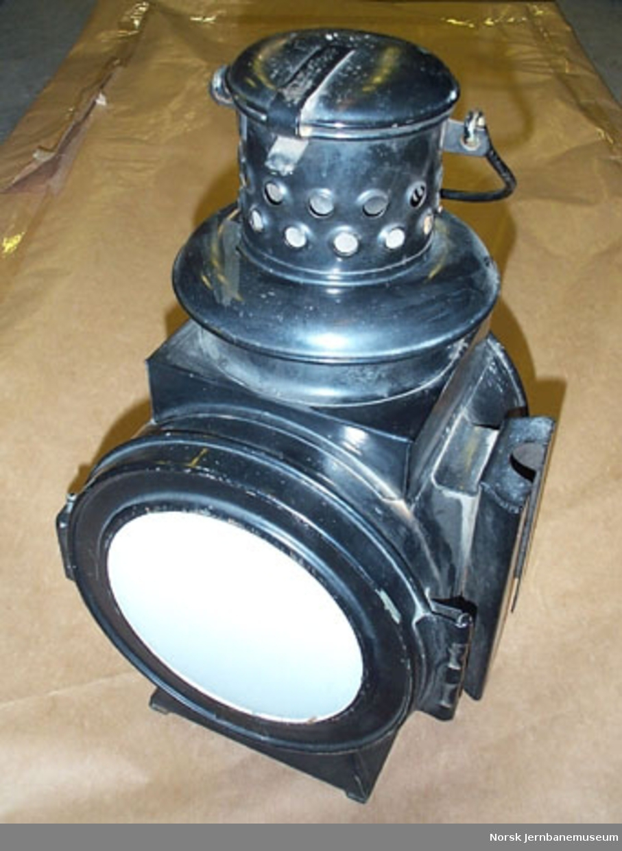 Parafinlampe for semaforsignal - For signalgivning