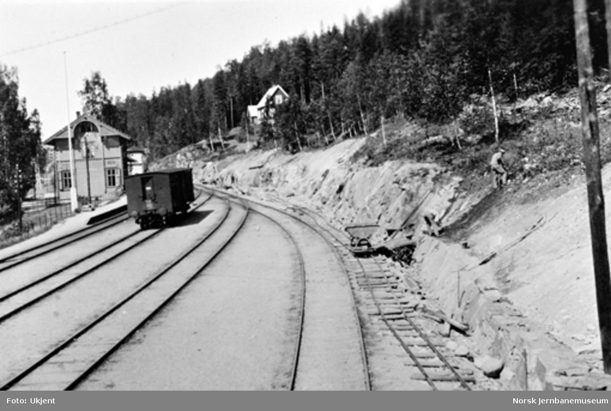Planering for nytt sidespor - spor 4 - ved Hen stasjon