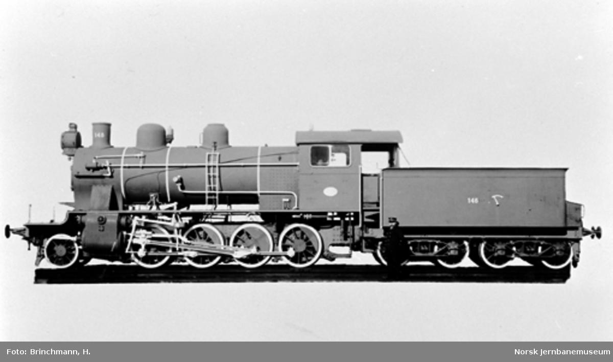 Leveransefoto av Gjøvikbanens damplokomotiv type 24b nr. 148