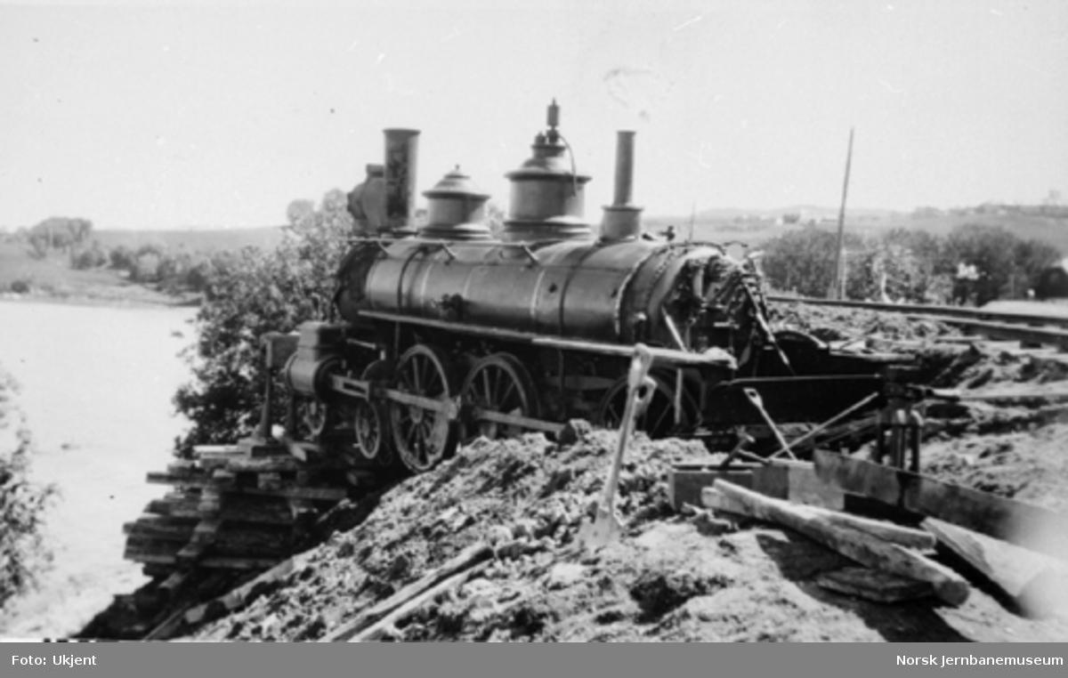 Avsporet damplokomotiv type 14a ved Malvik på Meråkerbanen