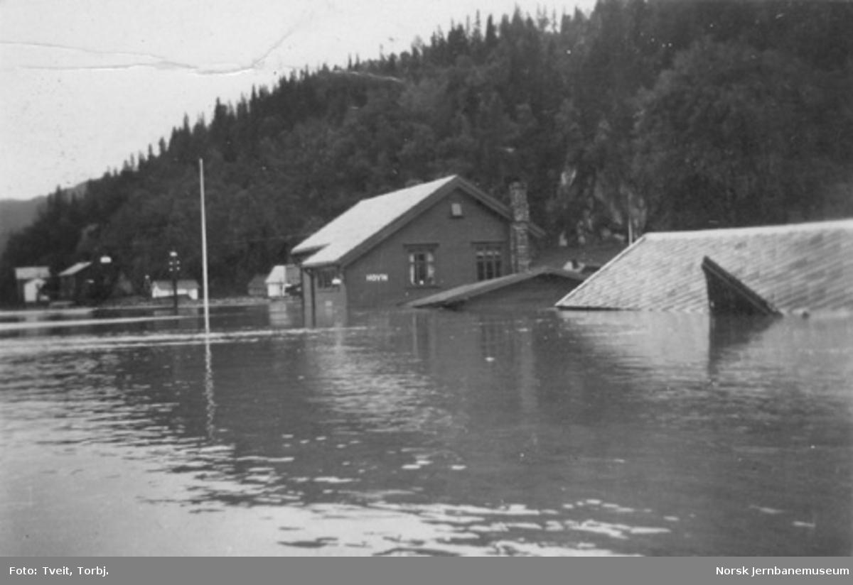 Hovin stasjon under flommen