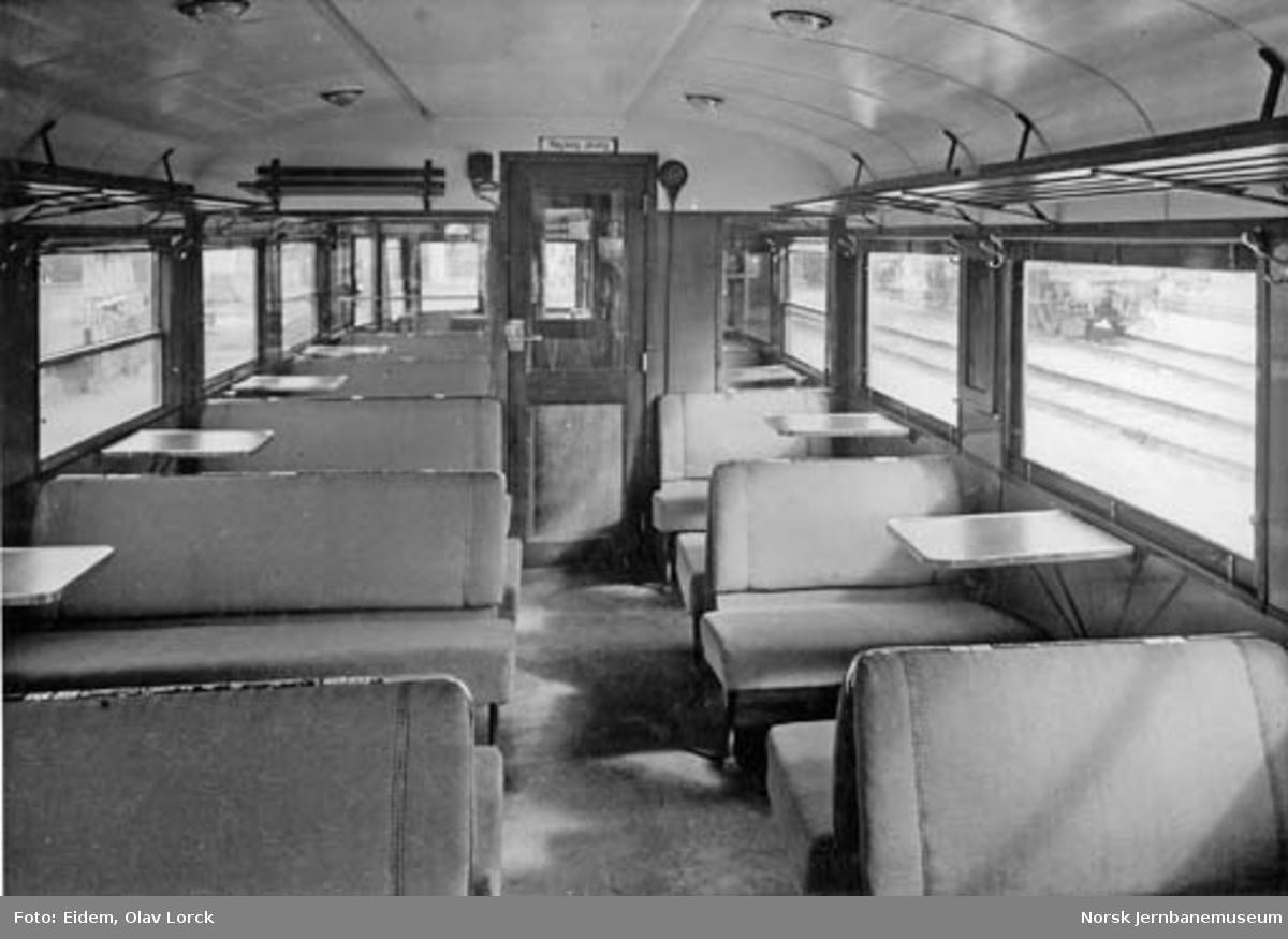 Interiørbilder fra dieselmotorvogn type 7 (87)