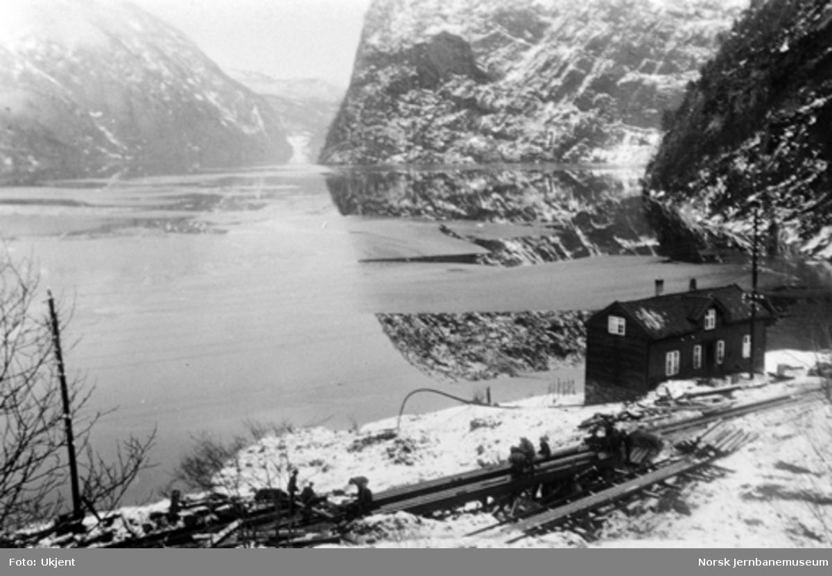 Utrasing på Vossebanen februar 1928 : Kløftefjell (Sibirien) km 417,9