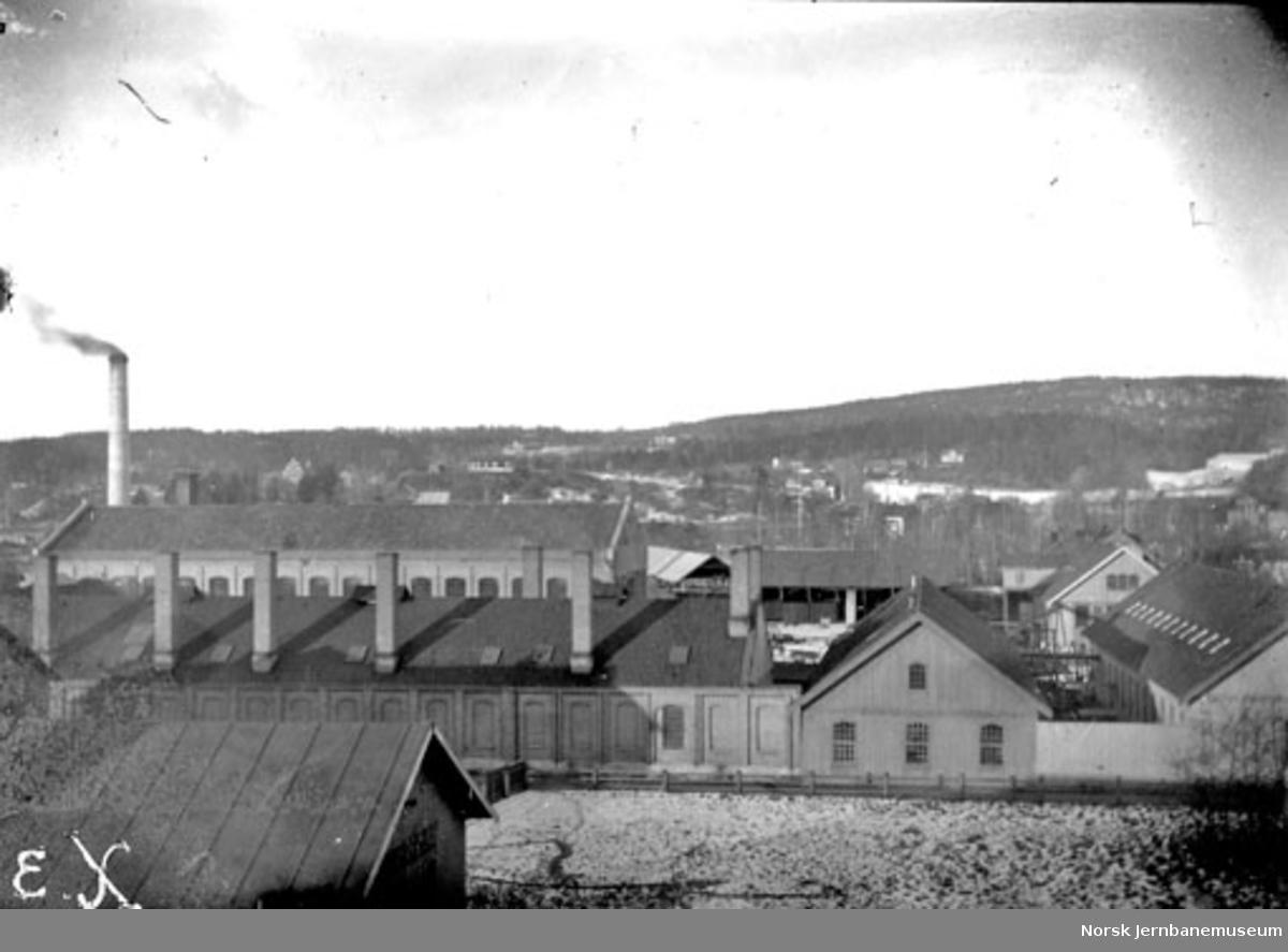 Oversiktsbilde over fabrikkanlegg, trolig Skabo Jernbanevognfabrik