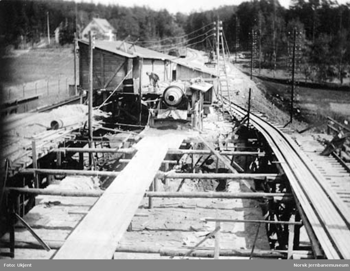 Drammenbanens omlegging : Lysakerelva bru, oversiktsbilde