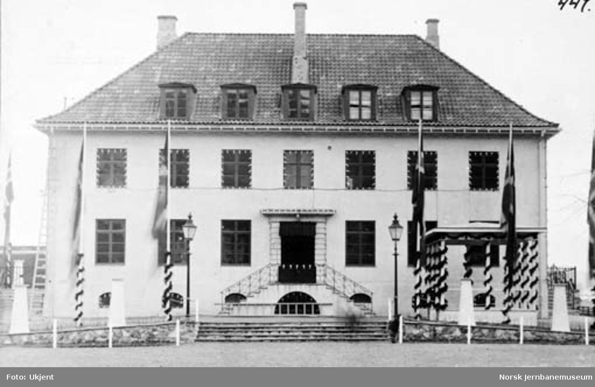 Kragerø stasjonsbygning åpningsdagen
