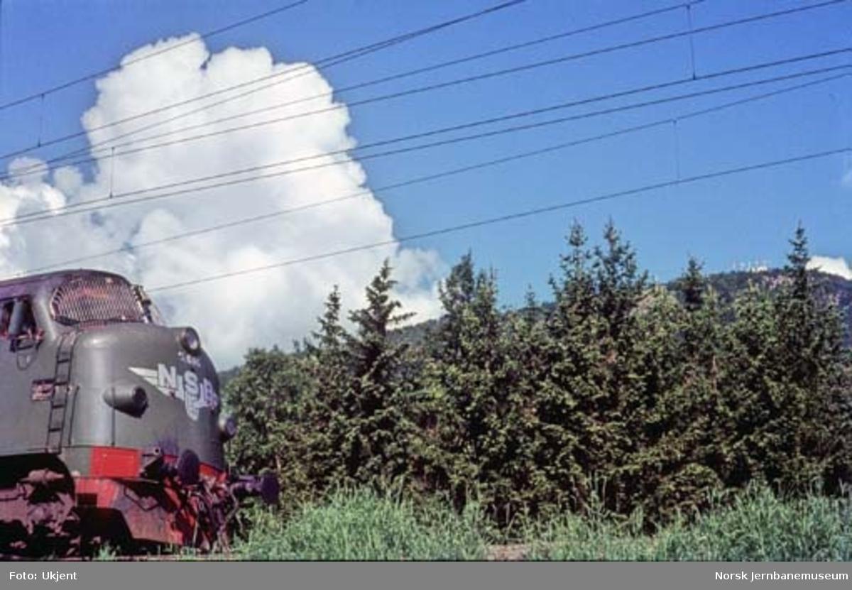 Fronten av diesellokomotiv Di 3 nr. 616