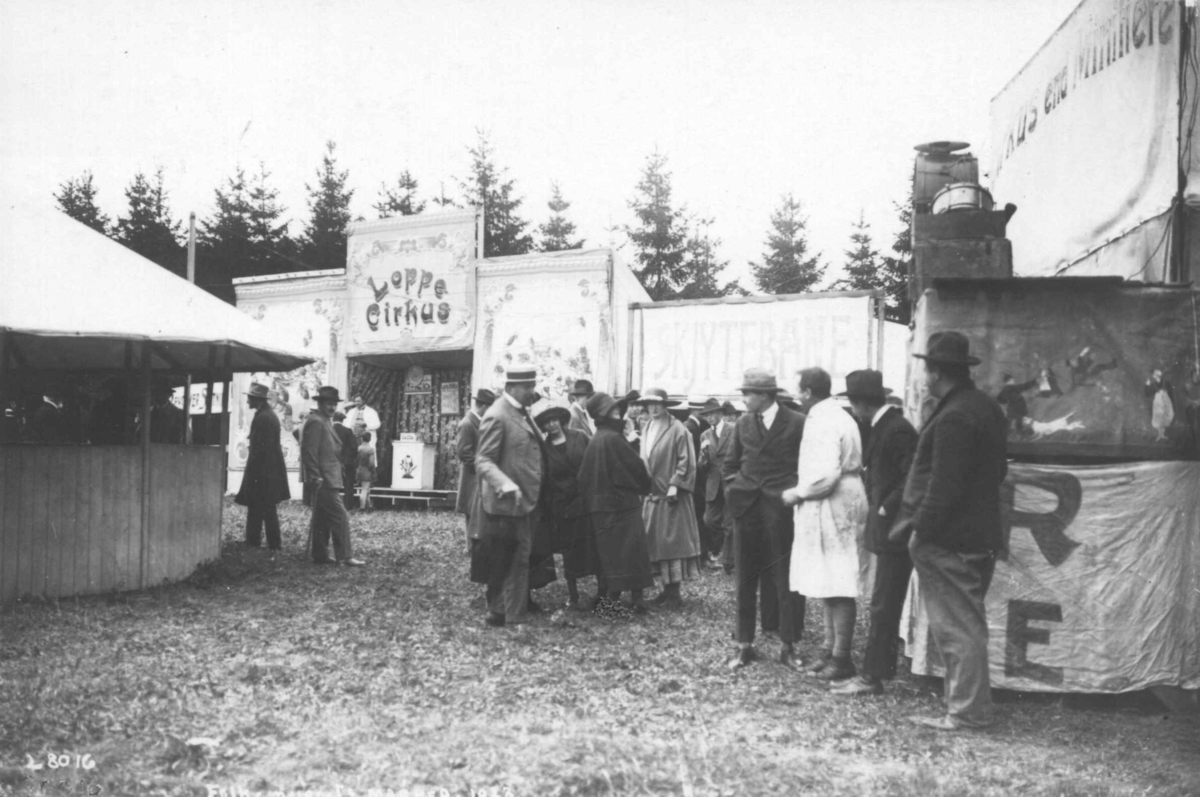 Marked med loppesirkus i 1922.