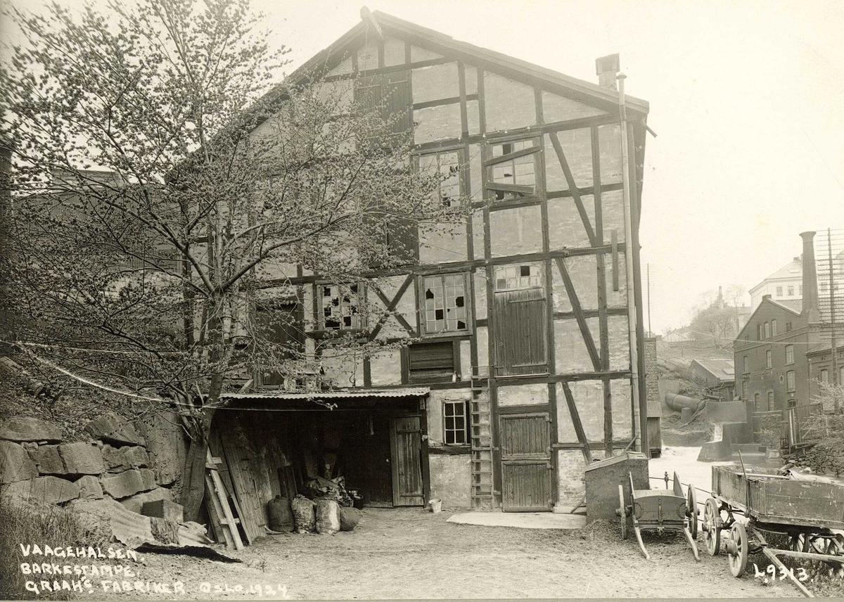 Vaagehalsen Barkestampe, Graah's Fabrikker ved Akerselva, Oslo. Bindingsverkshus.