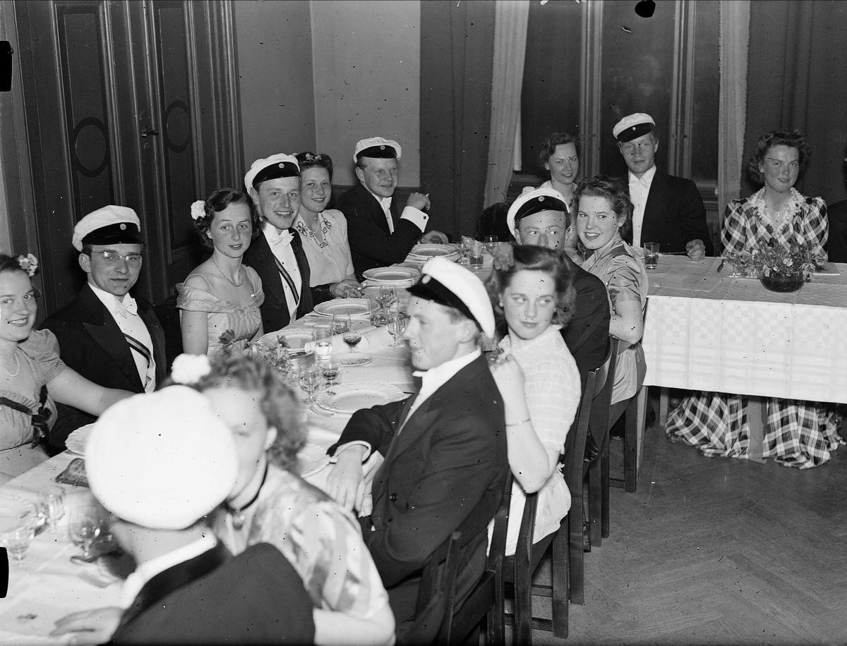 Vårfest på Gästrike-Hälsinge studentnation, Trädgårdsgatan, Uppsala 1944