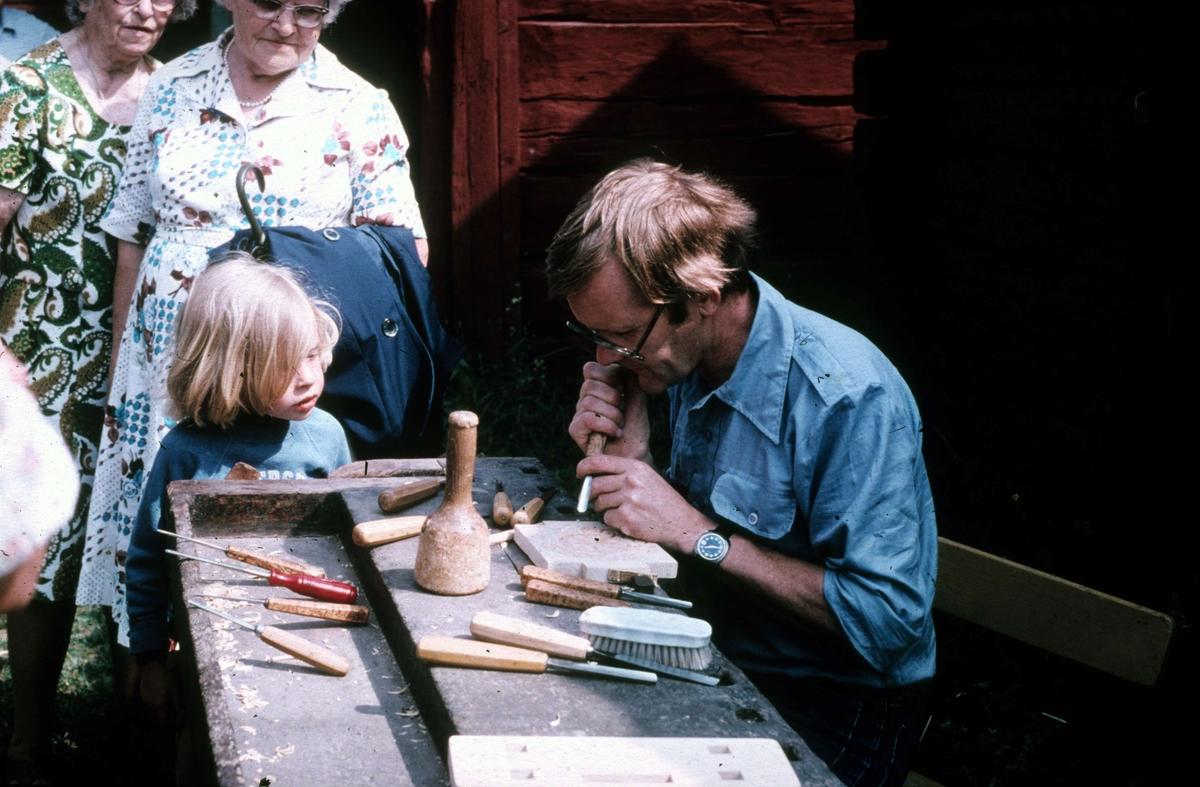 Programverksamhet på friluftsmuseet Disagården, Gamla Uppsala 1976