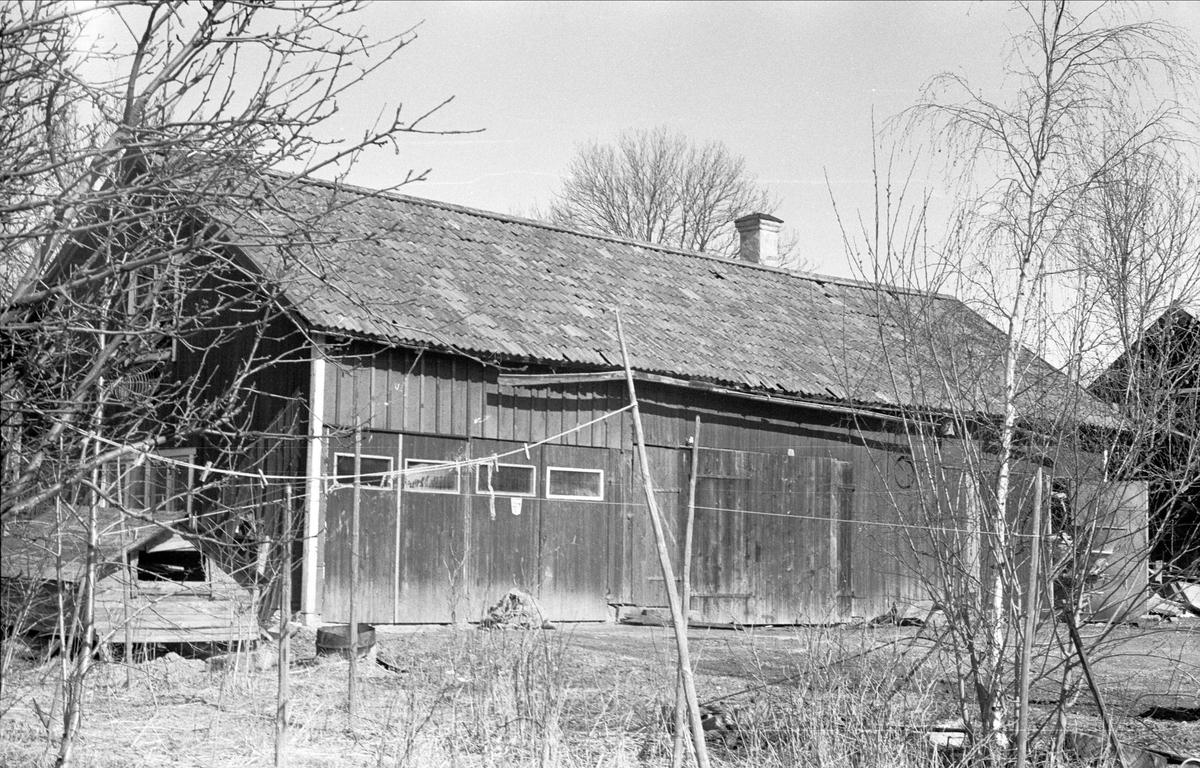 Lider och magasin, Gränby 1:5 - 2:5, Ärentuna socken, Uppland 1977