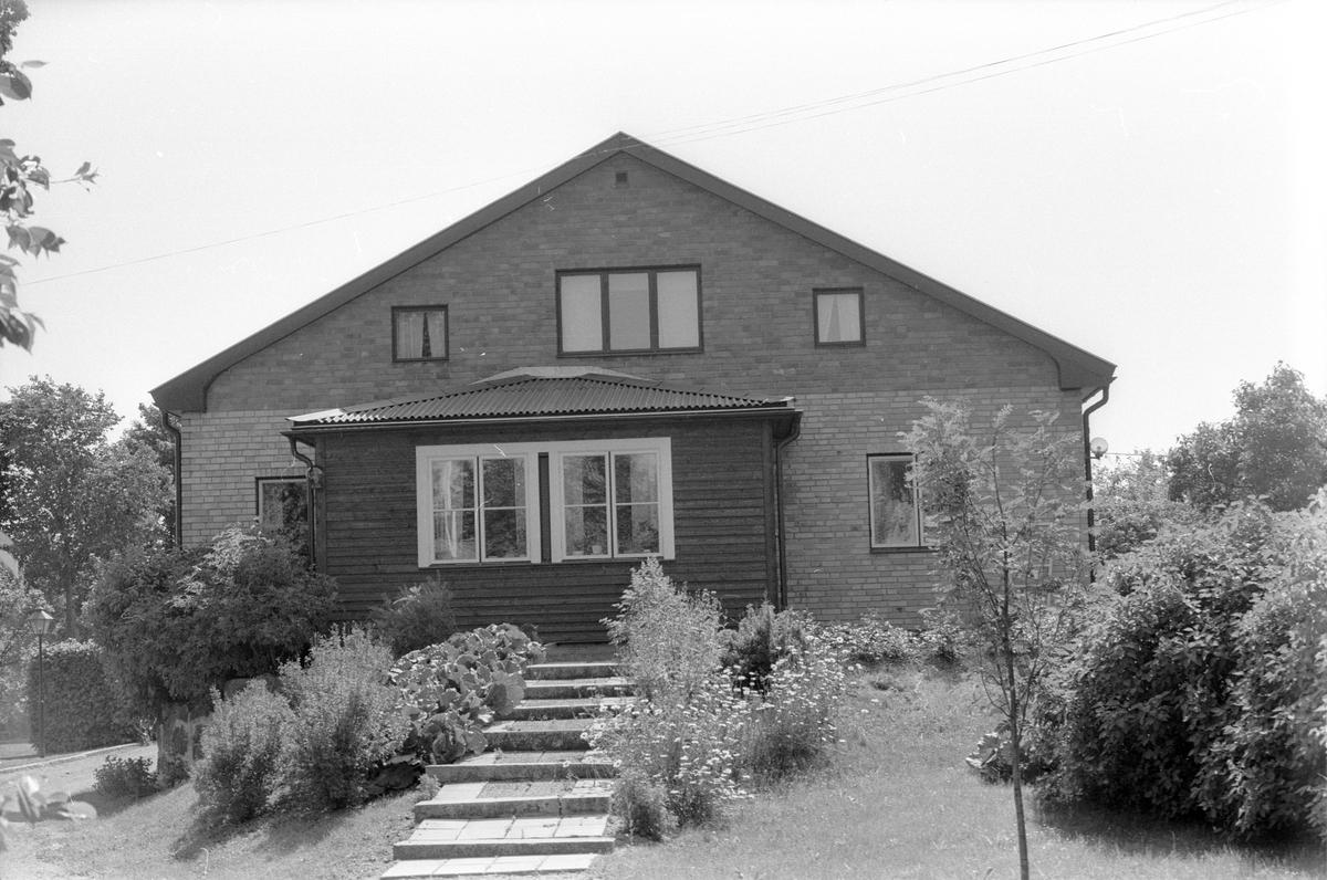 Bostadshus, Villa Kvarnbo, Kvarnbo, Läby socken, Uppland 1975