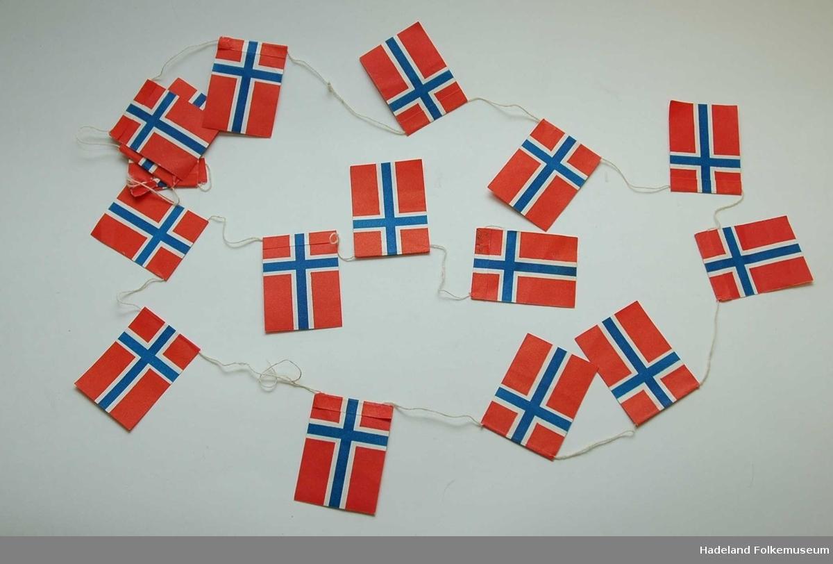 Juletrepynt, norske flagg