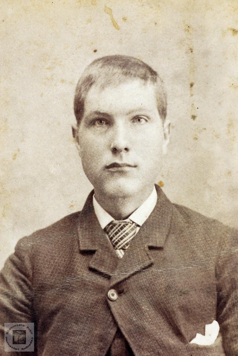 Portrett av Karl Ågedal, Grindheim Audnedal.