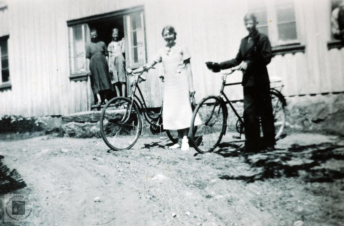 Ein stor dag med nye sykler på Høyland. Grindheim Audnedal.
