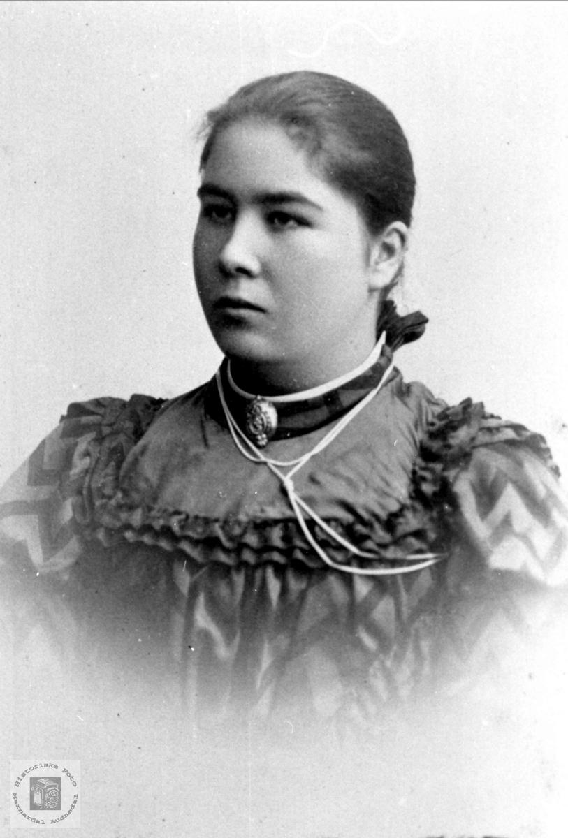 Portrett av Anna Sørine Abelseth, Bjelland.