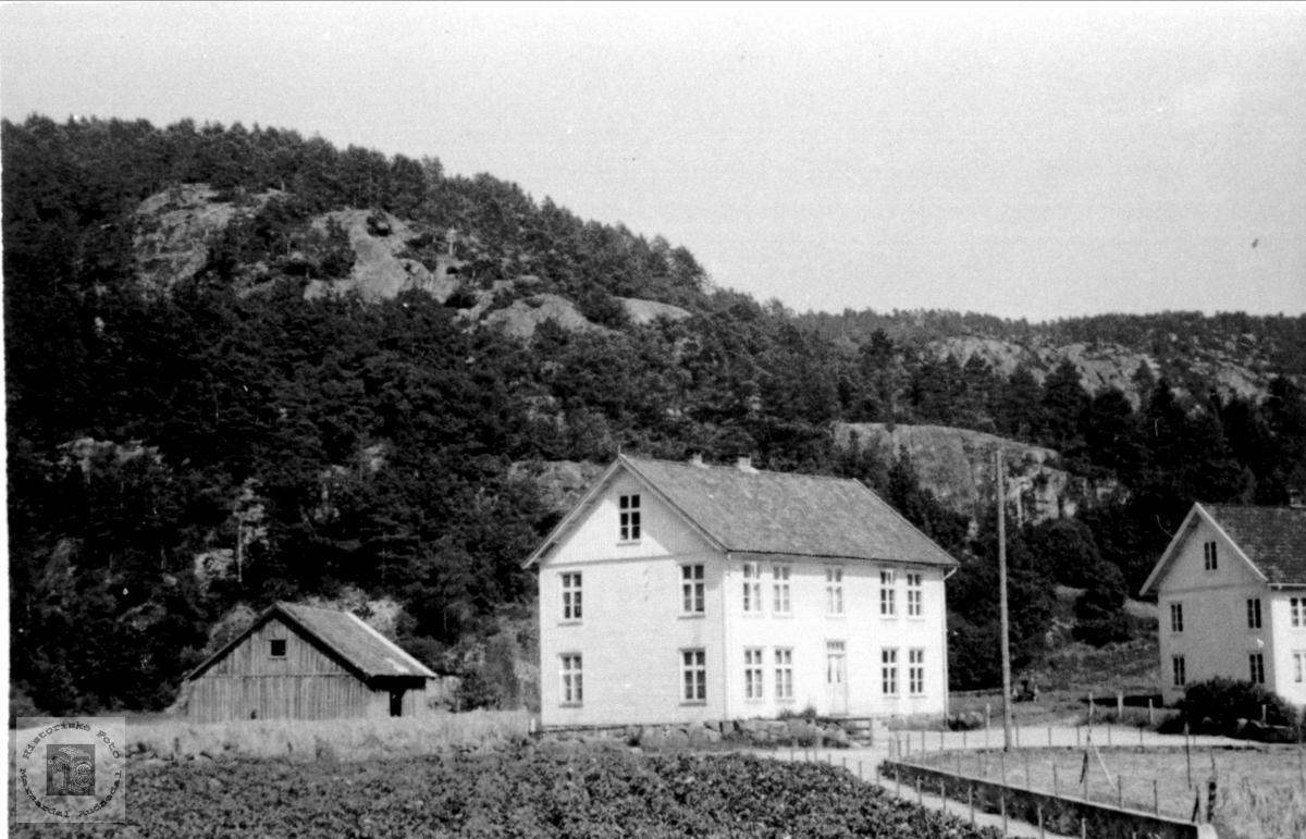 Laudal kommunehus, bygd 1895.