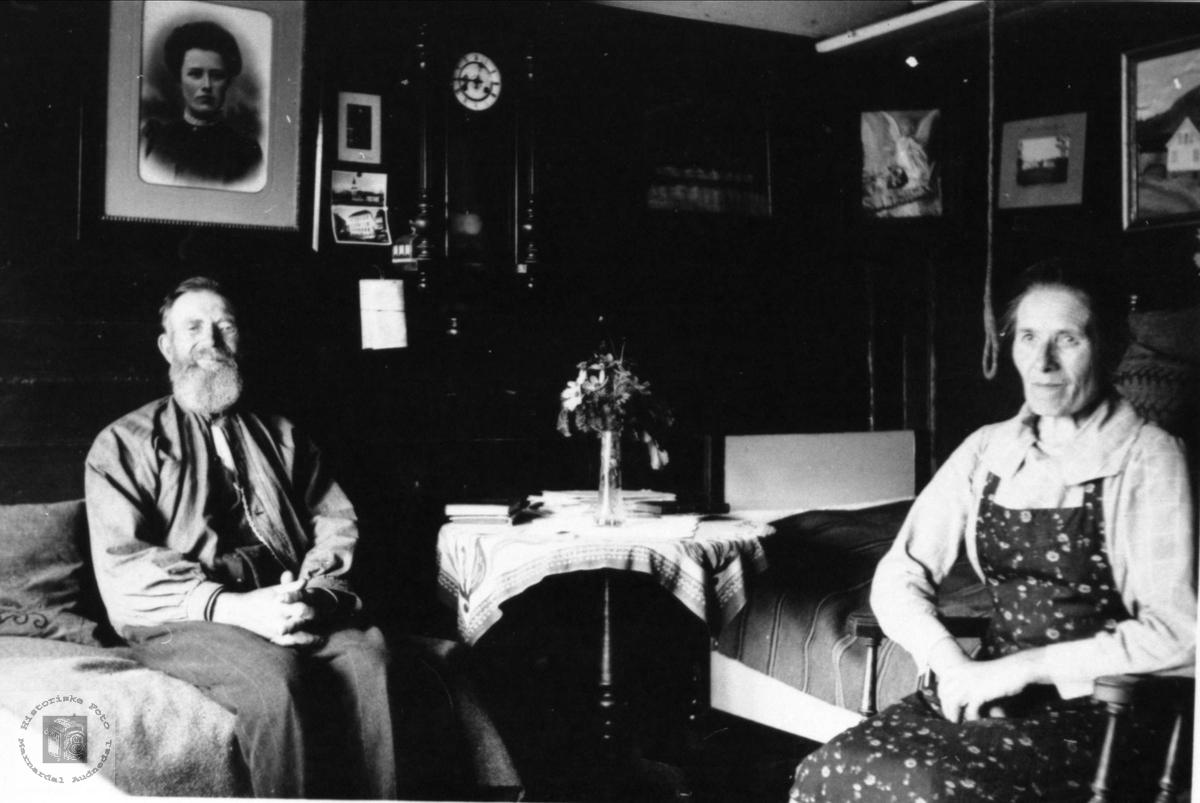 Far, Ole Haraldstad (f. Bruskeland) og datter Kari Haraldstad.