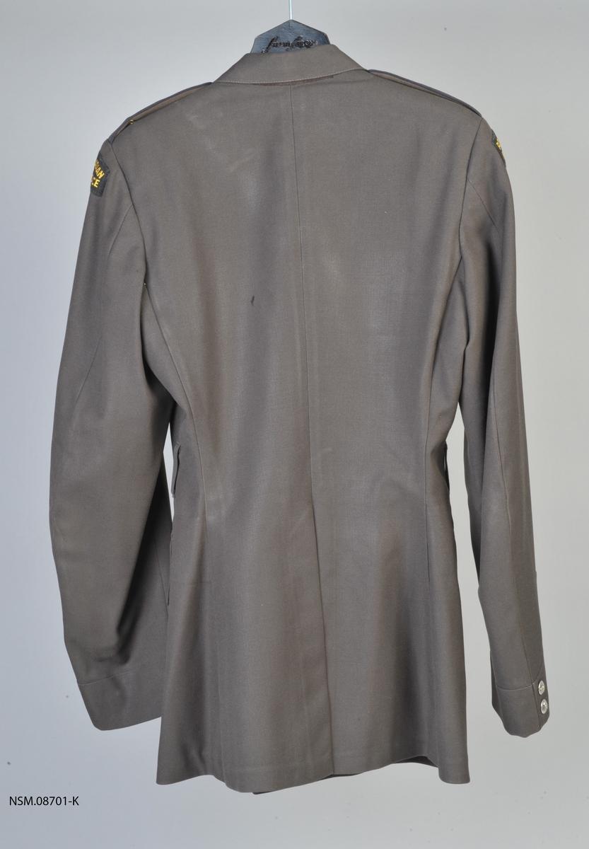 Brun offisersjakke. For superintendent Royal Canadian Mounted Police.