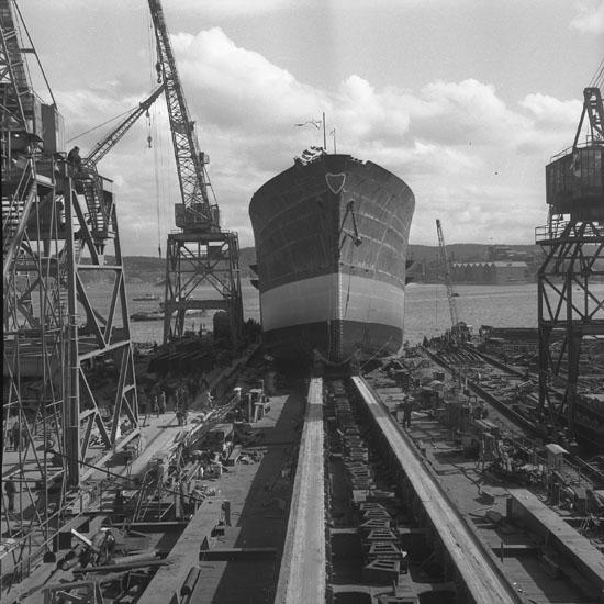 Dop och sjösättning av fartyg 170 M/S Polyxene G.