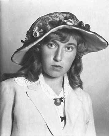 """Enligt noteringar: """"Marossia Heilborn 1917."""""""