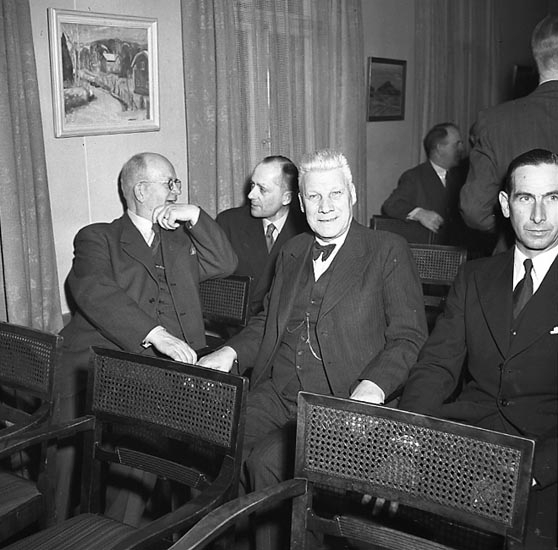 """Enligt notering: """"Kamratförening 3/3 1947""""."""