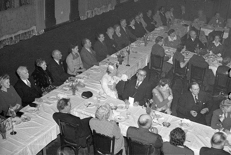 """Enligt notering: """"Västgöta Gille 16/5 1949""""."""