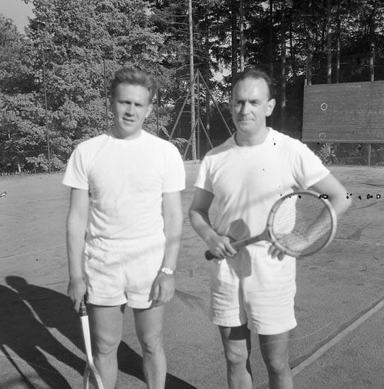 "Enligt notering: ""Tennis Herrljunga - U-a 18-6-55""."