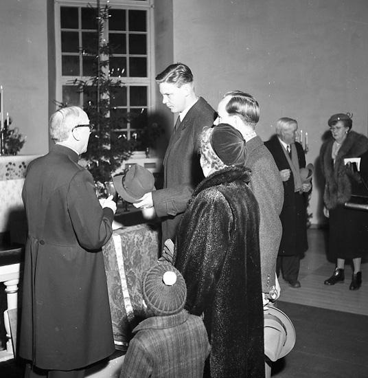 """Enligt notering: """"Skredsviks kyrka 100 år 1/12 56""""."""