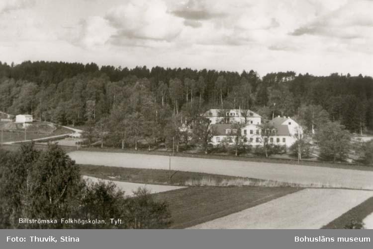 """Tryckt text på kortet: """"Billströmska Folkhögskolan, Tyft."""""""