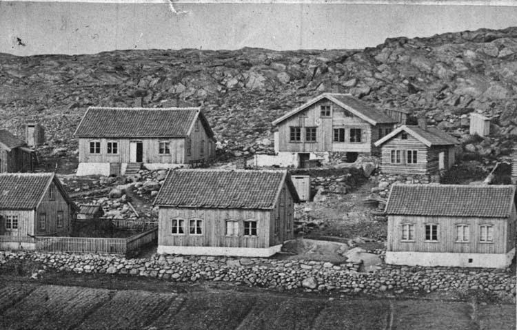 """""""Original från Olga Ringqvist. Kungsgatan år 1862 [Lysekil]"""" enligt text som medföljde bilden."""