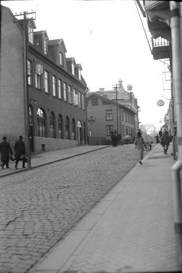 """Enligt text som medföljde bilden: """"42 Kungsgatan 1926."""" ::"""