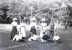 Tennisspelare i Lysekils stadspark