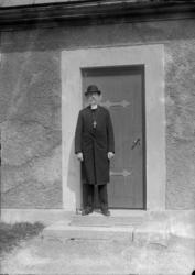 """Enligt fotografens anteckningar: """"Biskop Rohde omkring år 19"""
