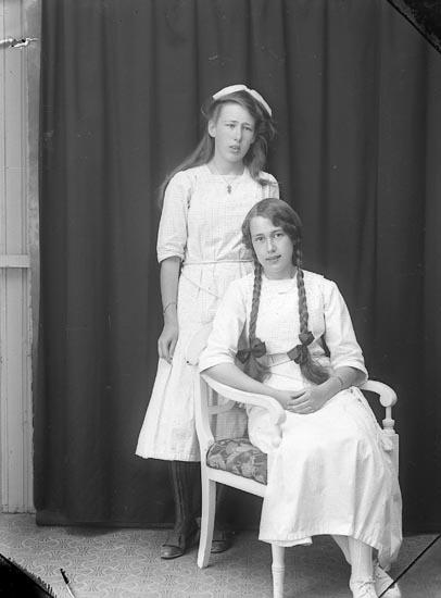 "Enligt fotografens journal Lyckorna 1909-1918: ""Lindkvist, Fr. M. Lyckeberg""."