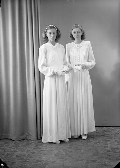 """Enligt fotografens journal nr 7 1944-1950: """"Johansson, Ulla o Ann-Marie""""."""