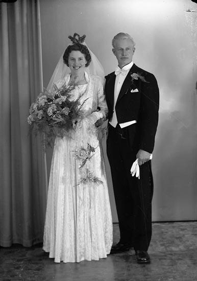 Enligt fotografens journal nr 8 1951-1957: 'Eliasson, Herr Torsten, Krokslycke, St. Höga'.