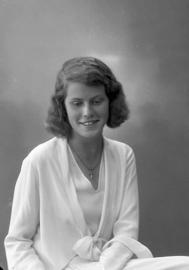 """Enligt fotografens journal nr 6 1930-1943: """"Klingner, Fr. Marianne, Erik Dahlbergsg. 9 Gbg""""."""