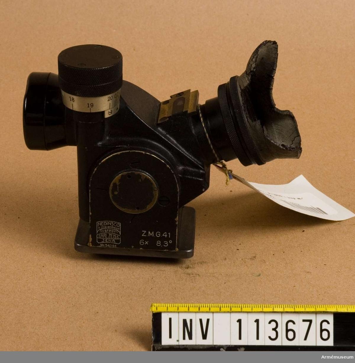 Grupp E VI. 6 x förstoring med laxfot. System Zeiss, Jena. Märkt Nedisco's Gravenhage.