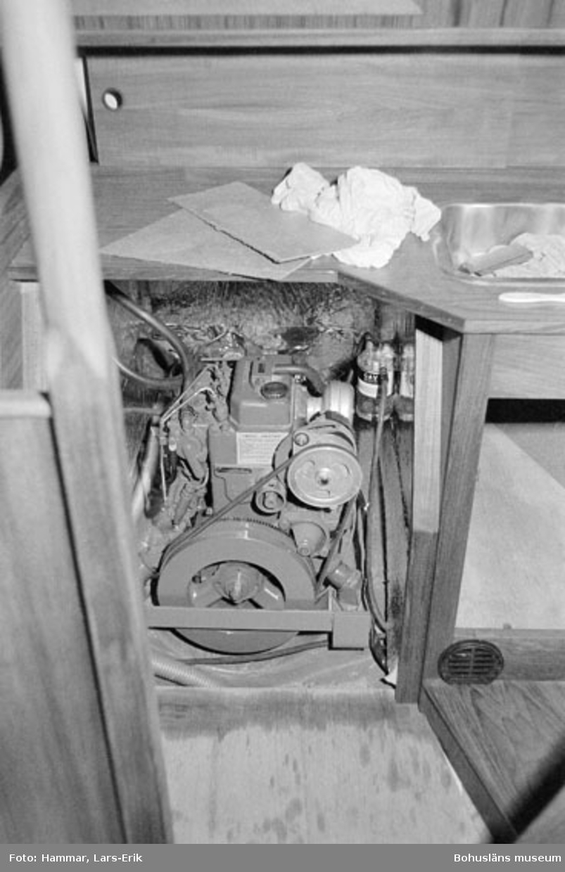 "Motivbeskrivning: ""Widholms industri AB, motorrum, Beason 31."" Datum: 19800911"
