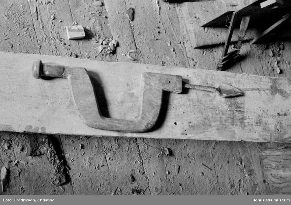 """Motivbeskrivning: """"Widholms industri AB, skölp (används vid urholkning för huvud till (enepinnar)."""" Datum: 19800908"""