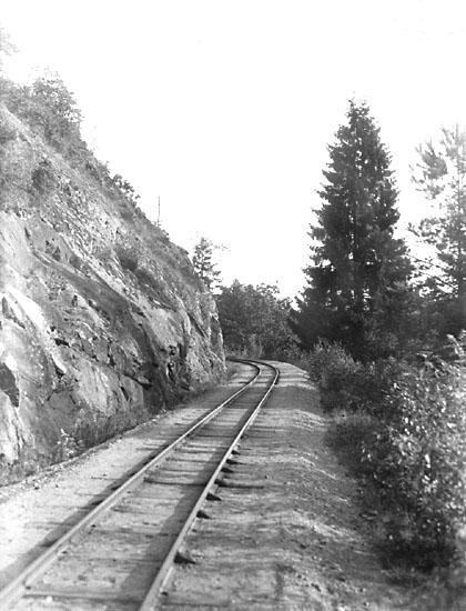 """Enligt noteringar: """"Munkedals järnväg vid Åtorp."""" (BJ)"""