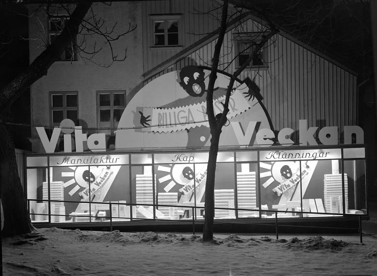 """Uppgift enligt fotografen: """"Uddevalla. Skyltning. Fagerströms. Jönssons AB."""""""