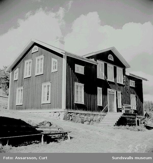 Zetterströms mangårdsbyggnad i Byn, Sättna.