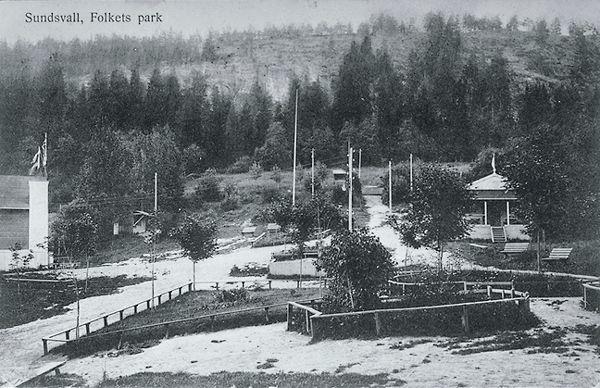 """Vy med Folkets Park-området. Bildtext till vykortet """"Sundsvall, Folkets park""""."""