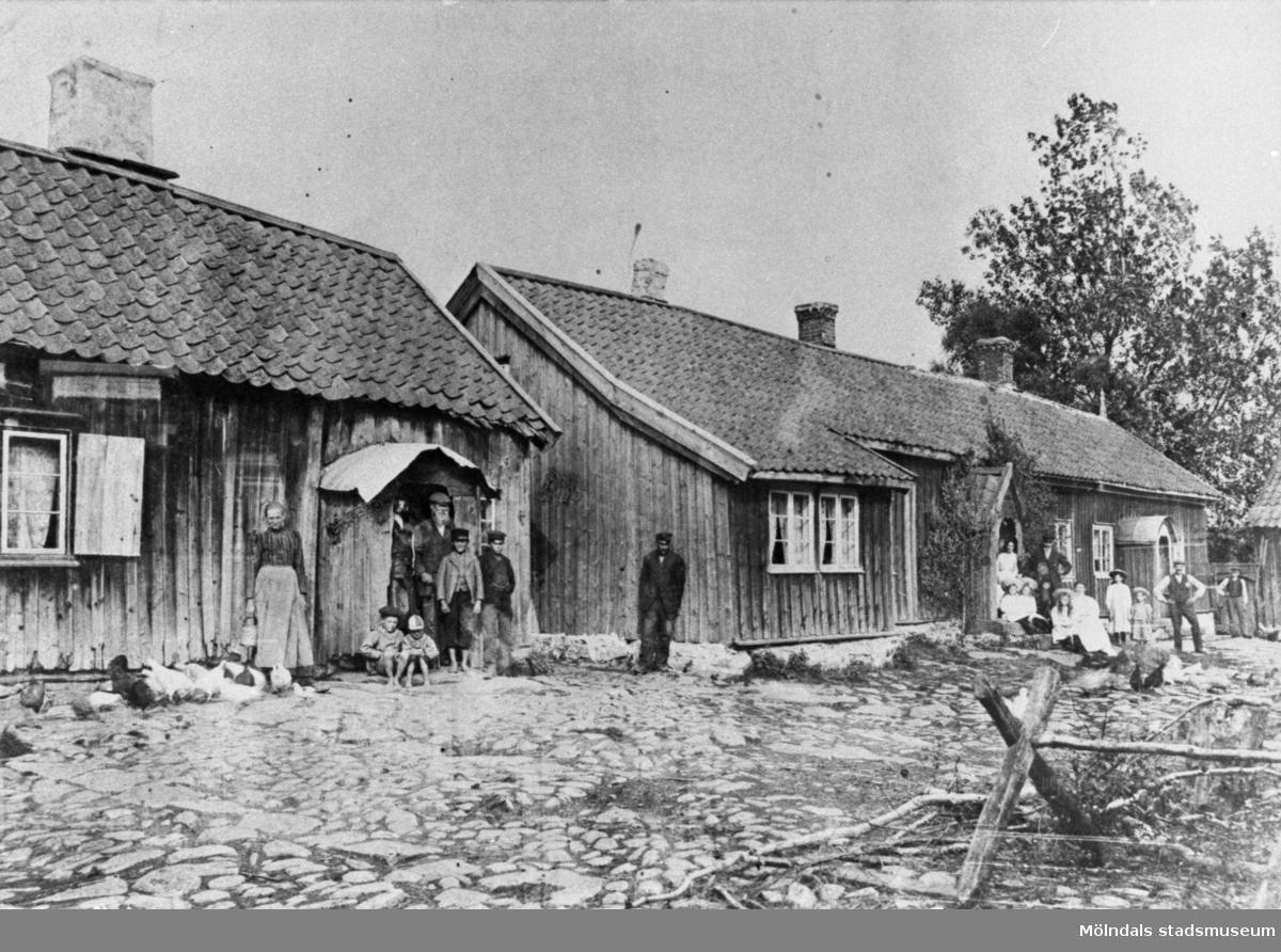 Lindome Lions Julfemma 1977; Långås by och några innevånare 1907, sådan den såg ut långt in på 1930-talet.