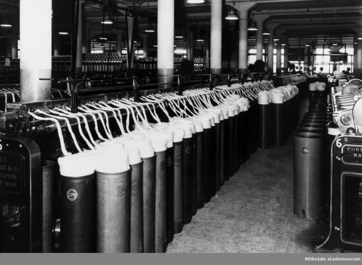 Sträckmaskiner i Krokslätts fabrik.