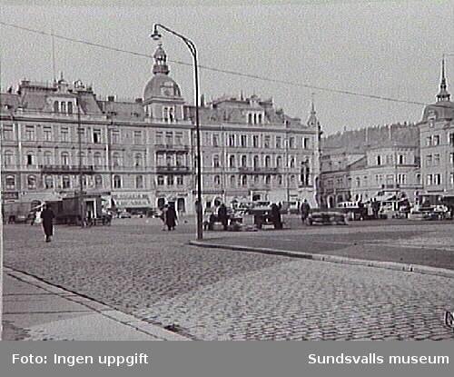 Stora torget med Stadshuset och kvarteret Nyttan, 1938.