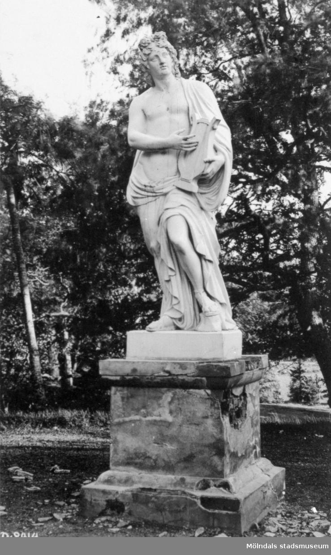 Staty av Gioacchino Frulli (1766-1801) i Gunnebo slottspark, 1930-tal.